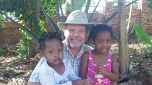 I arrived back in Uganda August 26th '12 to help my brothers in the building of the R.A.U. Guesthouse. I am enjoying some time with Patrick and Vickie's two beautiful girls.